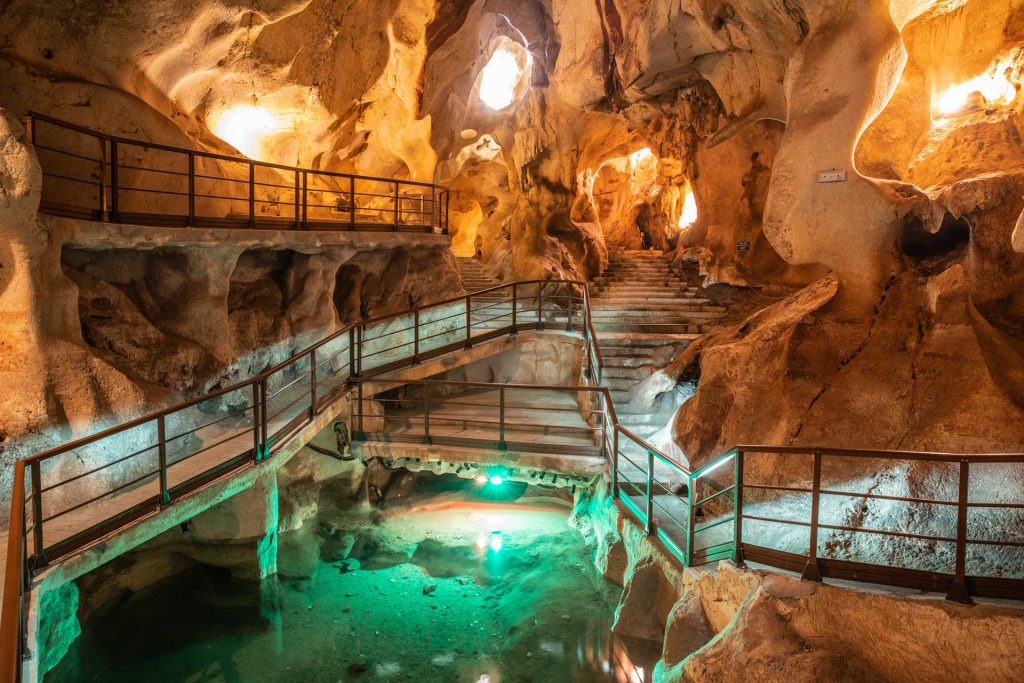 Cueva del Tesoro, Rincón de la Victoria